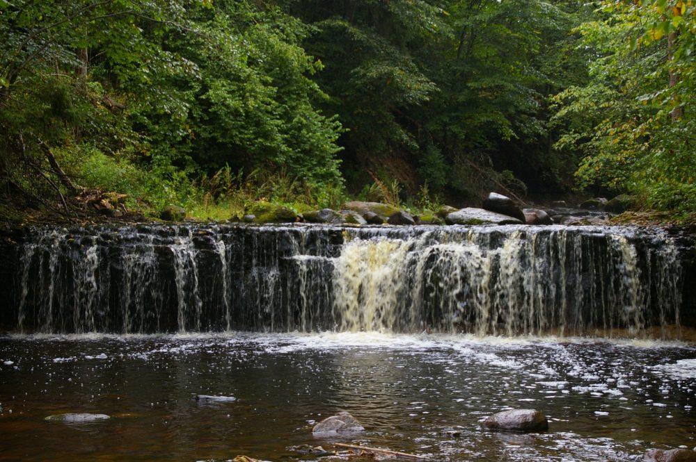 Водопады на реках Прикше и Белой.
